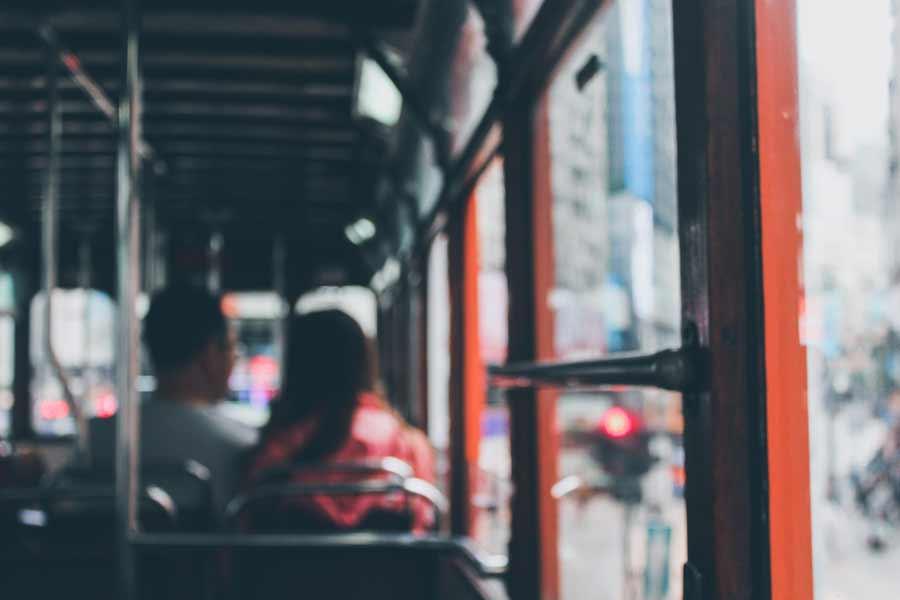 Greve da PM : sindicato diz que ônibus continuam rodando normalmente em Salvador