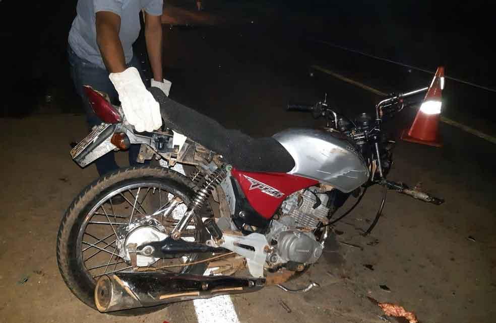Tocantins: Jovem morre após bater moto em caminhão estacionado