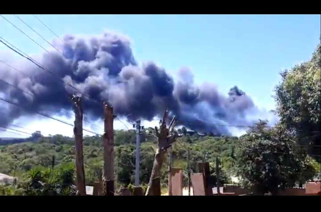VÍDEO: incêndio atinge o Autódromo de Tarumã no RS