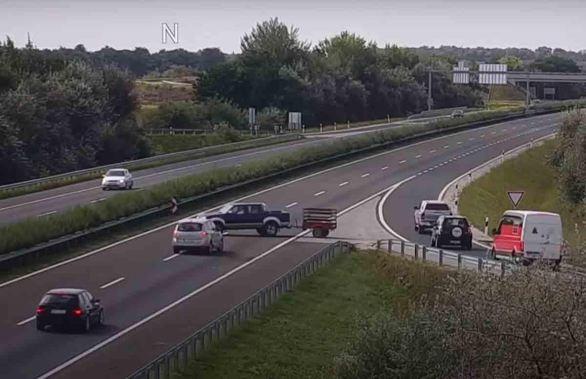 Vídeo: Câmera flagra acidente assustador na Hungria. FotoÇ Reprodução/YouTube