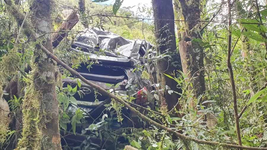 Médica é resgatada em ribanceira cerca de 30 horas após se acidentar. Foto: Divulgação/Bombeiros Militares de SC