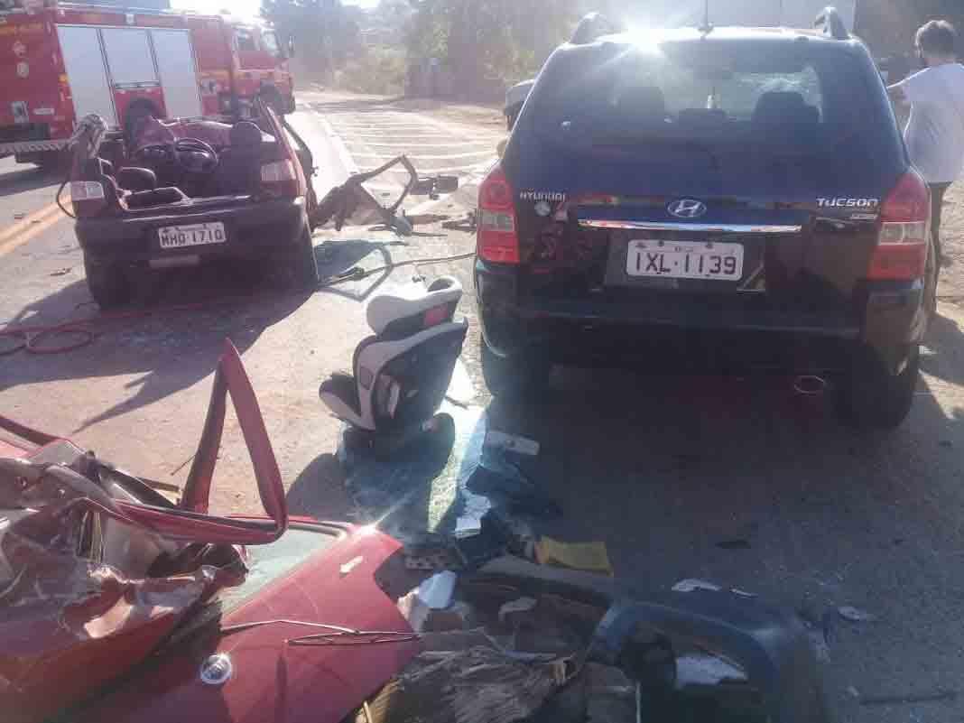 Motorista acusada jogar carro com a filha de 2 anos, contra caminhão tem prisão decretada. Foto: divulgação Bombeiros Lajeado