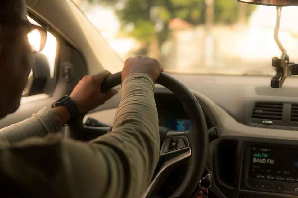 Aprovada lei que isenta de IPVA motoristas de aplicativos no MT