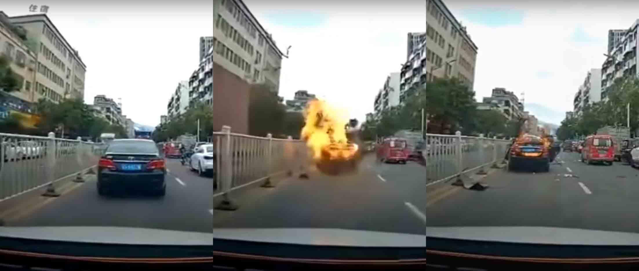 Toyota Camry explode no meio do trânsito; veja o vídeo. Foto: Reprodução Youtube